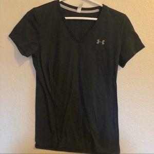 UNDER ARMOUR black v neck loose fit tee shirt sm